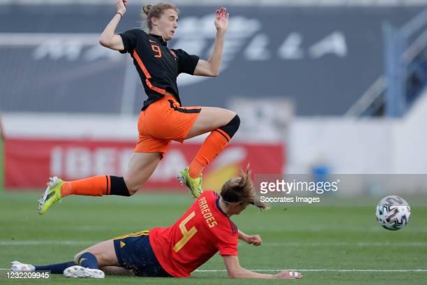 Vivianne Miedema of Holland Women, Irene Paredes of Spain Women during the International Friendly Women match between Spain v Holland at the Estadio...