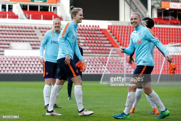 Vivianne Miedema of Holland Women Jackie Groenen of Holland Women during the Training Holland Women at the Philips Stadium on April 5 2018 in...