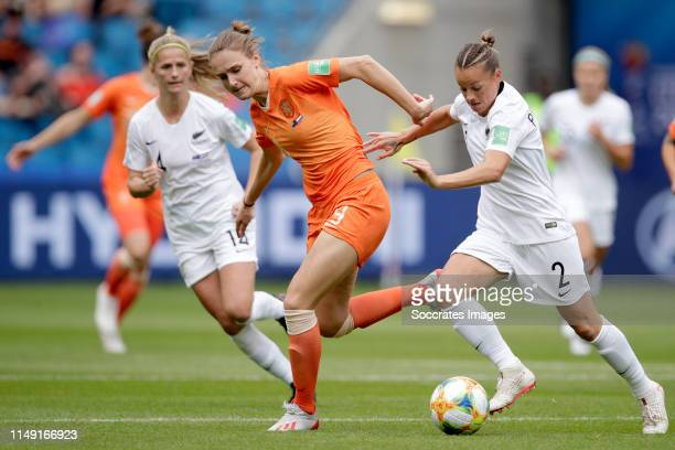 Vivianne Miedema of Holland Women, Ria Percival of New Zealand Women during the World Cup Women match between New Zealand v Holland at the Stade...