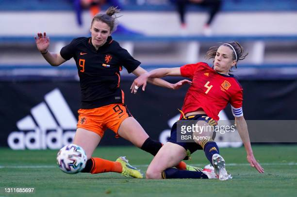 Vivianne Miedema of Netherlands and Irene Paredes of Spain during the Women's International Friendly match between Spain and Netherlands at Estadio...