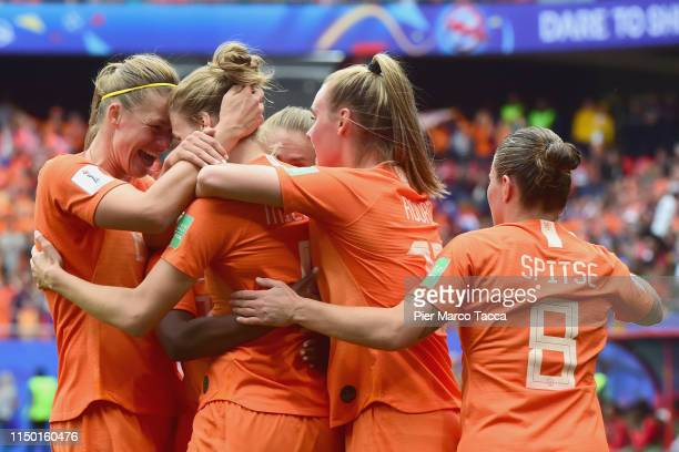 Vivianne Miedema of Netherlands celebrates her second goal with her teammates during the 2019 FIFA Women's World Cup France group E match between...