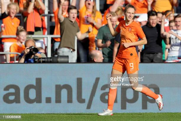Vivianne Miedema of Netherlands celebrates the second goal during the international friendly match beweteen Netherlands Women and Australia Women at...