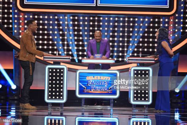 Vivica A. Fox vs. Bill Bellamy and MLB Alums vs. MLB Wives Actress Vivica A. Fox faces off against actor Bill Bellamy as they battle it out for their...