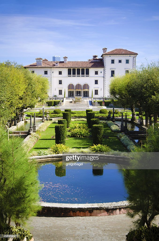Vizcaya Museum And Gardens With Pond In Miami Fl Stock Photo | Getty ...