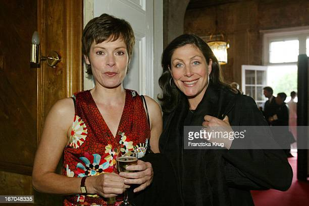 Dorothea Sihler Und Alexandra Von Rehlingen Bei Der Verleihung Des Montblanc De La Culture Arts Patronage Award 2003 Im Palais Lichtenaau In Potsdam
