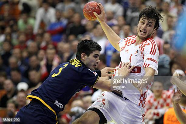 Eduardo GUBINDO , Domagoj DUVNJAK Handball Männer Europameisterschaft 2012 in Serbien Hauptrunde : Spanien - Kroatien 10 th mens european...