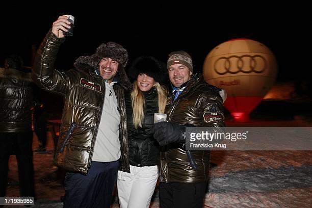 Gedeon Burkhard Mit Freundin Anika Bormann Und Till Demtröder Beim Tirol Cross Mountain 2011 In Kühtai