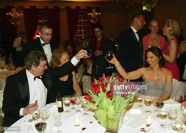 Hellmuth Karasek Mit Ehefrau Armgard Seegers Karasek Ornella Muti Beim 8 Gala Spa Award Im Hotel Brenners In BadenBaden