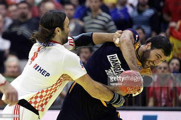Ivano Balic , Joan Canellas Handball Männer Europameisterschaft 2012 in Serbien Hauptrunde : Spanien - Kroatien 10 th mens european championchip in...