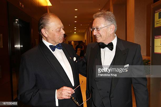 Vl Josef H Domberger Und Reinold Simon Bei Der Verleihung Des B'Nai B'Rith Europe Award Of Merit Im Mariott Hotel In Berlin Am 110308