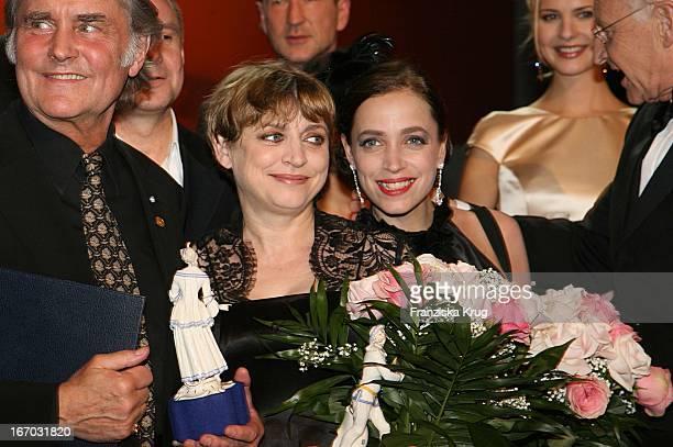 Michael Verhoeven Katharina Thalbach Anna Thalbach Und Edmund Stoiber Nach Der Verleihung Des Bayerischen Filmpres Im Prinzregententheater In München