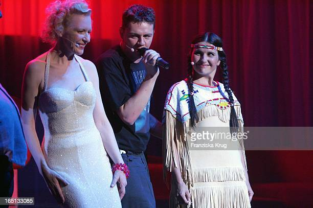 Vl Sunnyi Melles Und Stella Maria Adorf Beim 75 Geburtstag Von M Adorf Mit Der Premiere Der Tournee Da Capo Mario Im Prinzregententheater In München...