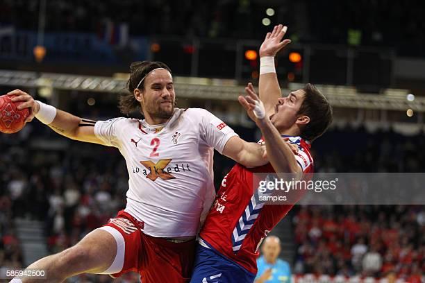 Thomas MOGENSEN , Nikola MANOJLOVIC Handball Männer Europameisterschaft Spiel Finale : Serbien - Dänemark Handball european championship gold medal...