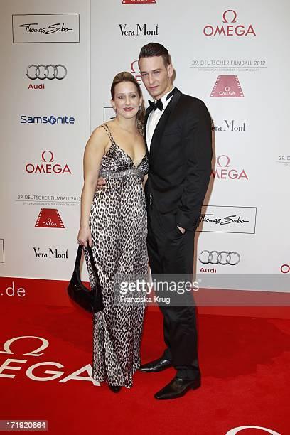 Vladimir Burlakov Und Schwester Marina Burlakova Beim 39.Deutschen Filmball Im Hotel Bayrischer Hof In München