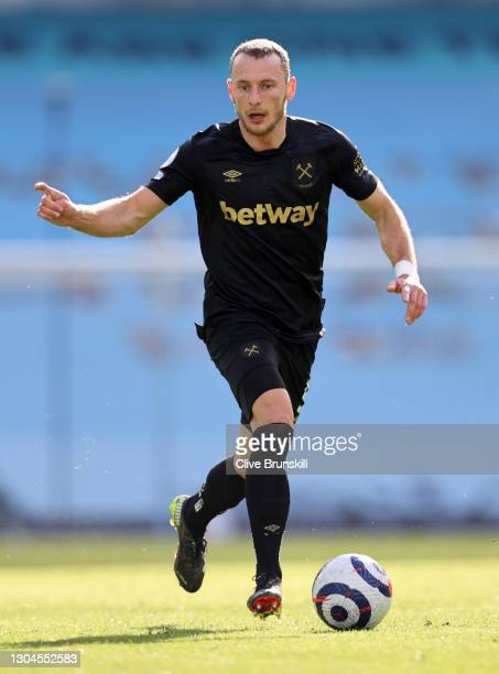 Vladimir Coufal of West Ham United runs with the ball during the Premier League match between Manchester City and West Ham United at Etihad Stadium...