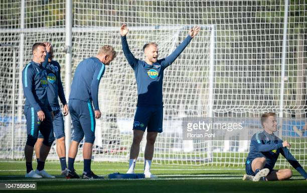 Vladimir Darida Fabian Lustenberger Pascal Koepke and Lukas Kluenter of Hertha BSC during the training at Schenkendorfplatz on October 8 2018 in...