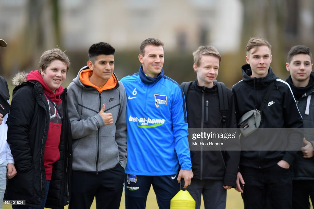 Vladimir Darida of Hertha BSC with fans before the training session at the Schenkendorfplatz on march 13, 2018 in Berlin, Germany.