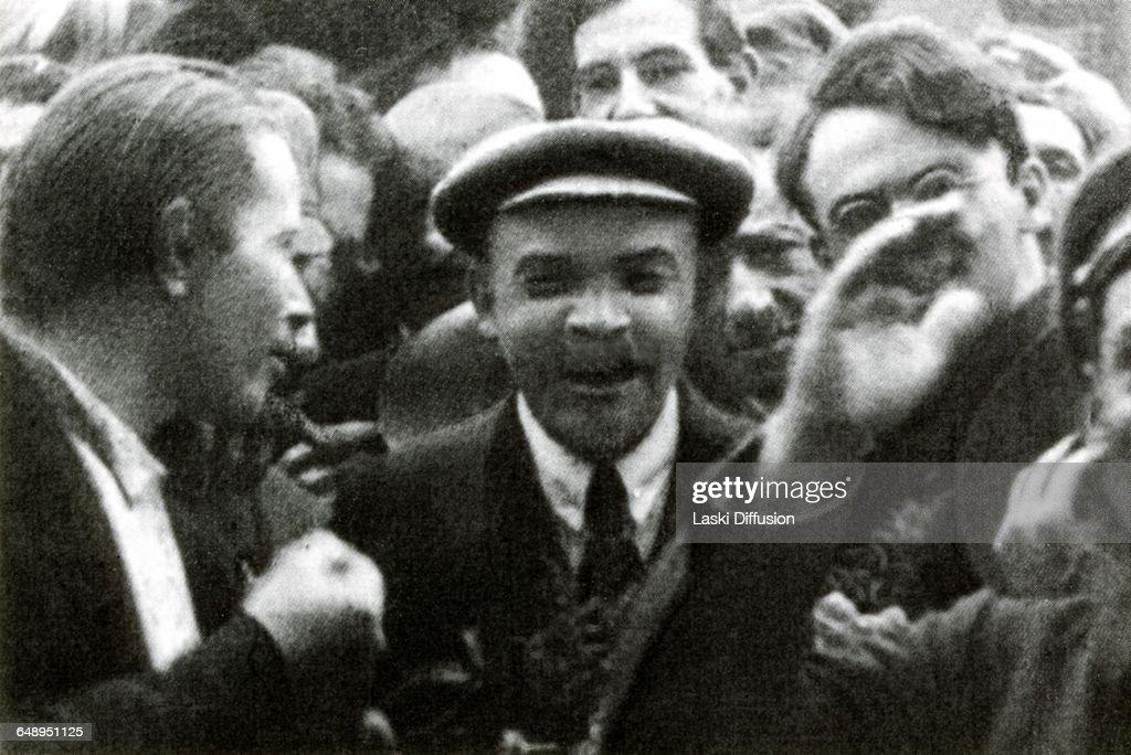 Communist International : News Photo