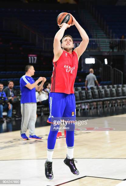 Vladimir Stimac #15 of Anadolu Efes Istanbul warmsup prior to the 2017/2018 Turkish Airlines EuroLeague Regular Season Round 17 game between Anadolu...