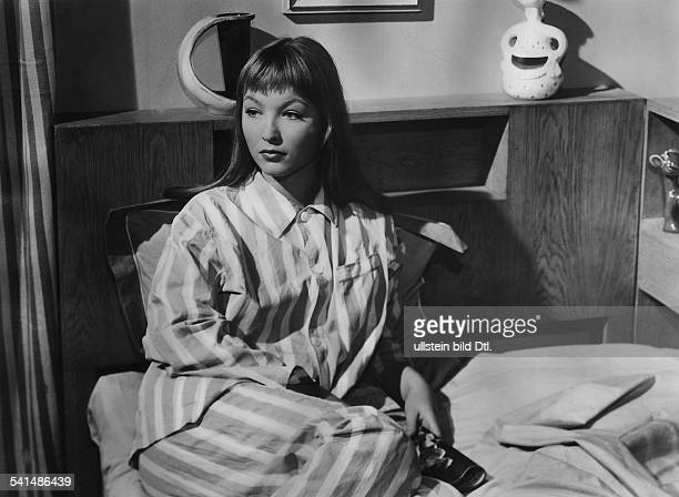 Vlady Marina Actress France * Scene from the movie 'Le craneur'' Directed by Dimitri Kirsanoff France 1955 Produced by Hoche Productions Vintage...