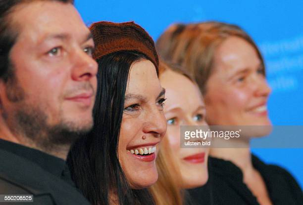 Regisseur Thomas Arslan und die Schauspielerinnen Angela Winkler Anja Schneider und Karoline Eichhorn während der Präsentation des Films FERIEN auf...