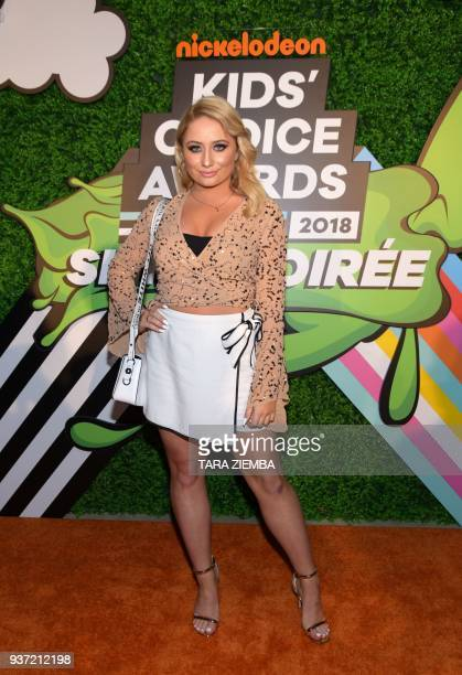 Vlogger Saffron Barker attends the Nickelodeon Kids Choice Awards Slime Soirée on March 23 2018 in Venice California / AFP PHOTO / TARA ZIEMBA