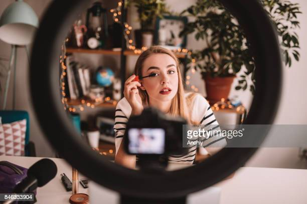 vlogging - influencer stock pictures, royalty-free photos & images