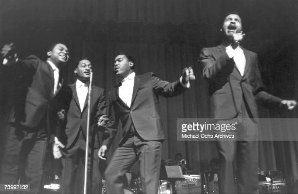 B vocal group 'The Four Tops' perform onstage at the Apollo Theatre in 1964 in New York City New York Ronaldo 'Obie' Benson Abdul 'Duke' Fakir...