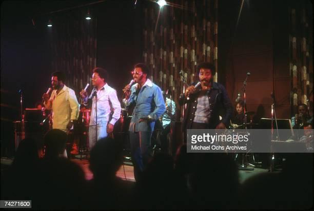 B vocal group The Four Tops perform onstage in circa 1975 Lawrence Payton Ronaldo Obie Benson Abdul Duke Fakir Levi Stubbs