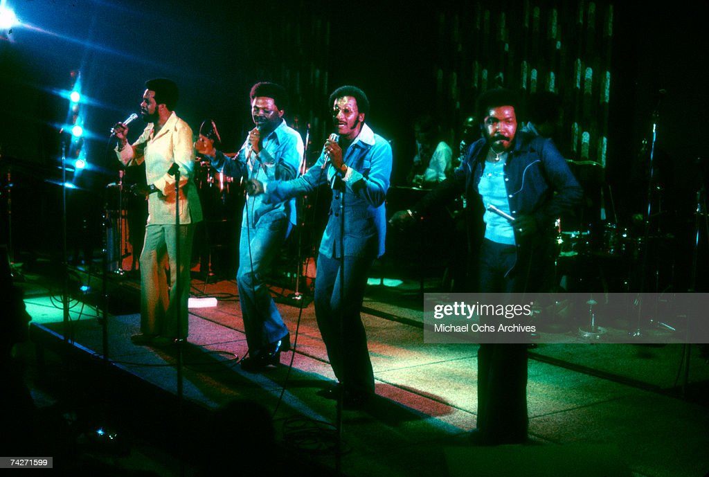 Four Tops Performing : News Photo