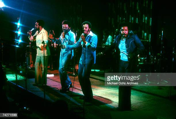 B vocal group The Four Tops perform onstage in circa 1975 Levi Stubbs Ronaldo Obie Benson Abdul Duke Fakir Lawrence Payton