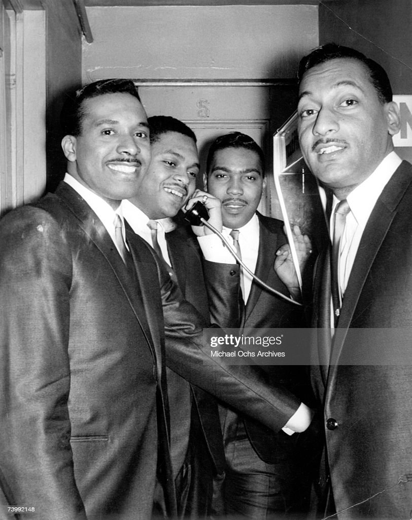 Four Tops Portrait Backstage : News Photo