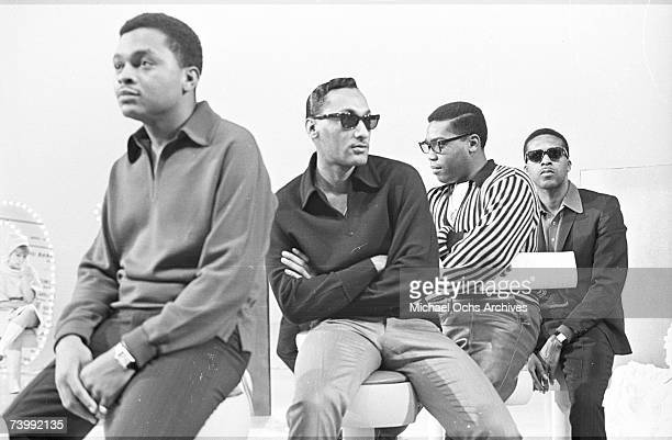 B vocal group The Four Tops pose for a portait in 1965 in New York City New York Ronaldo Obie Benson Abdul Duke Fakir Lawrence Payton Levi Stubbs