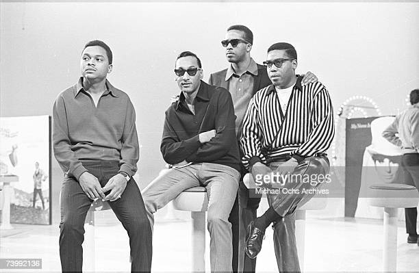 B vocal group The Four Tops pose for a portait in 1965 in New York City New York Ronaldo Obie Benson Abdul Duke Fakir Levi Stubbs Lawrence Payton