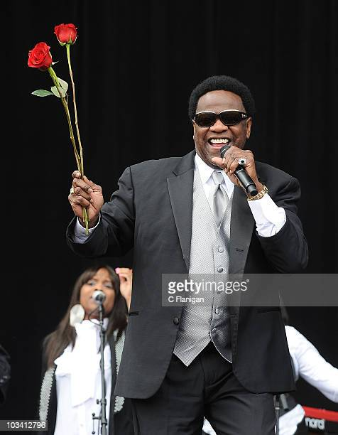 Vocalist Al Green performs during day 2 of 2010 Outside Lands Music Festival at Golden Gate Park on August 15, 2010 in San Francisco, California.