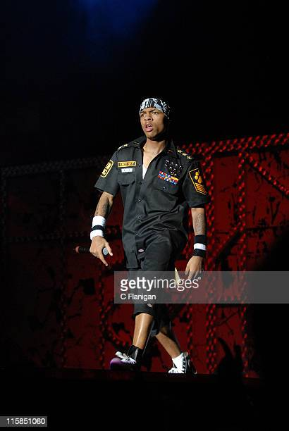 Vocalist Bow Wow performs live at the Oracle Arena on December 29, 2007 in Oakland, California.