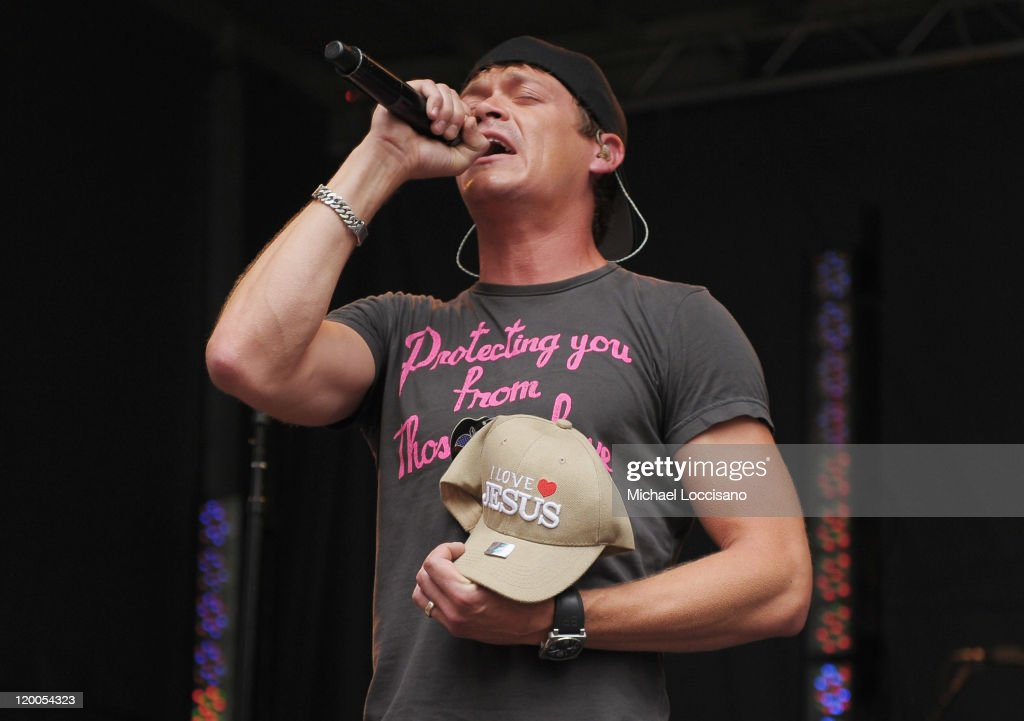 """3 Doors Down Performs On """"FOX And Friends"""""""
