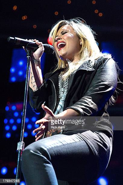 Vocalist Demi Lovato performs in concert as part of Festival People en Español Presented by Target at The Alamodome on September 1 2013 in San...