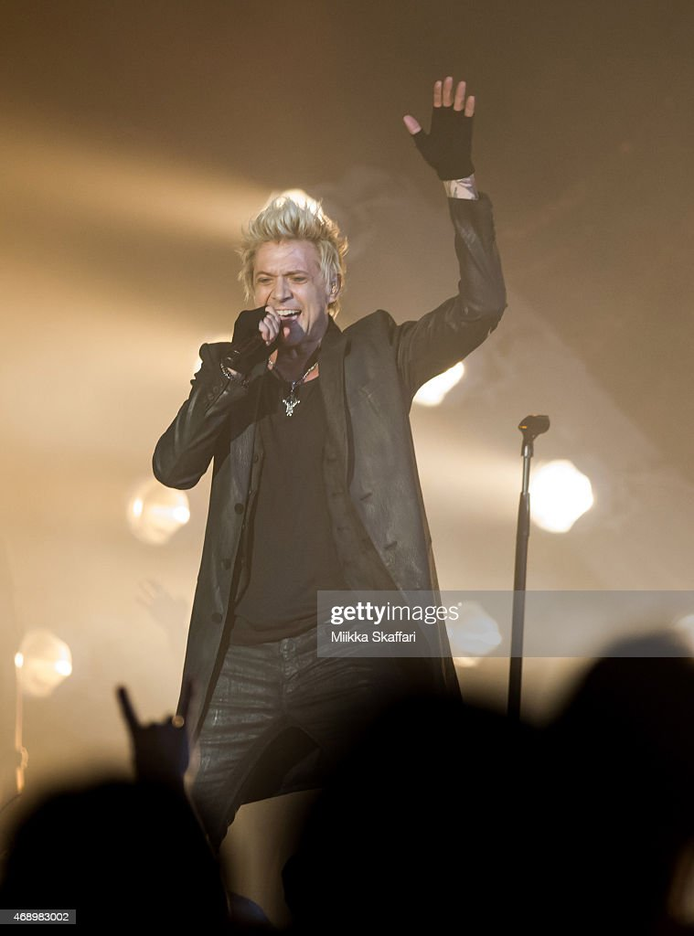 SIXX:AM And Apocalyptica In Concert - San Francisco, CA : News Photo
