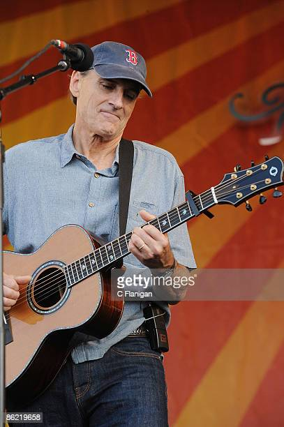 Vocalist/Guitarist James Taylor performs during day 2 of the 2009 New Orleans Jazz Heritage Festival Presented by Shell at the New Orleans...