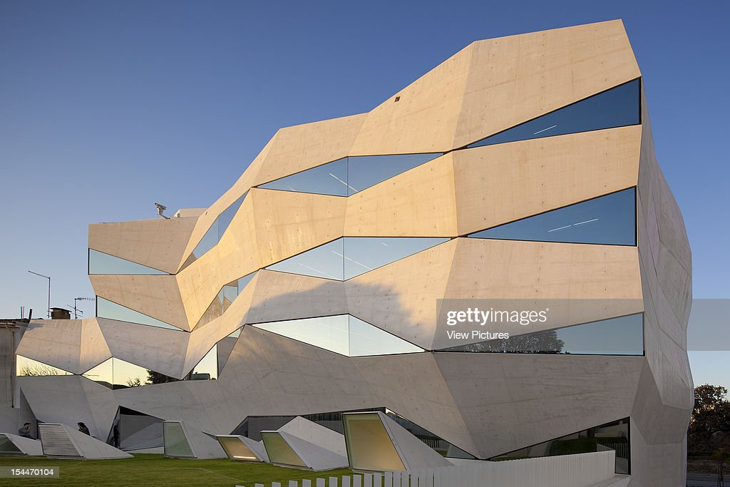 Vodafone Headquarters Building Barbosa Guimaraes Architects Porto Portugal  Corner Elevation Of Angular Structurebarbosa Guimaraes Architects Portugal