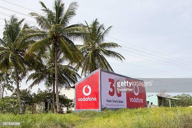 ボーダフォン看板、インドのカルナタカ州 - vodafone ストックフォトと画像