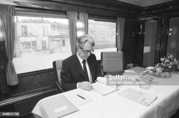 Vogel working in the train HansJochen Vogel top candidate of the SPD Social Democratic Party campaigns in a special electoral train Vogel Zug on...