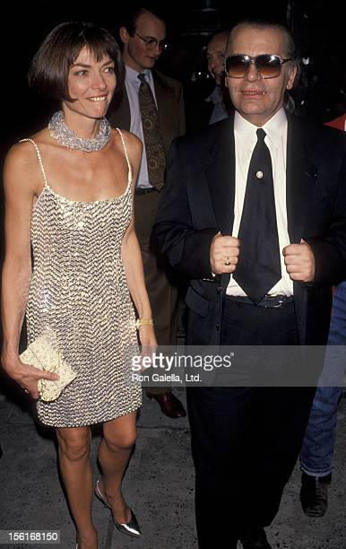 Vogue Editor Anna Wintour and designer Karl Lagerfeld attend Paris Haute Couture Fashion Show and Cocktail Party on September 5 1990 at the Plaza...