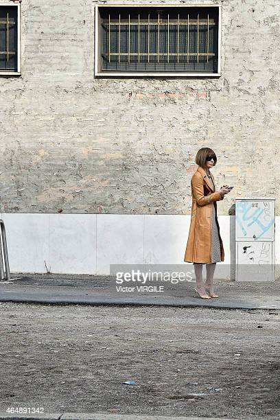 Vogue editor Anna Wintour searching for her car during a long time just right after the Bottega Veneta show during the Milan Fashion Week...