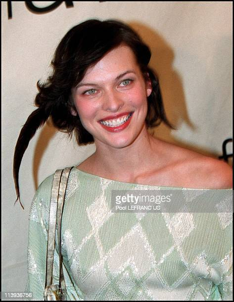 Vogue fashion awards in Madison square garden In New York United States On October 20 2000Milla Jovovich