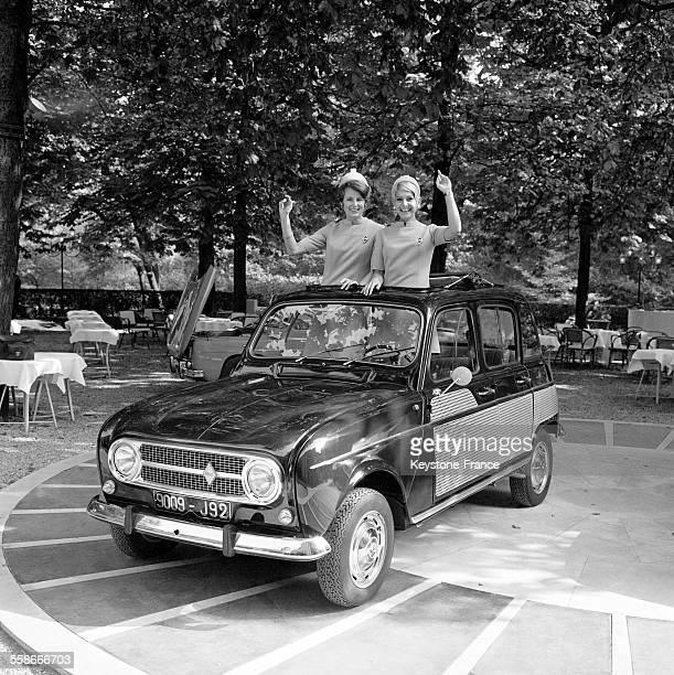 Voici la nouvelle Renault 4 au PreCatelan à Paris France le 28 septembre 1967