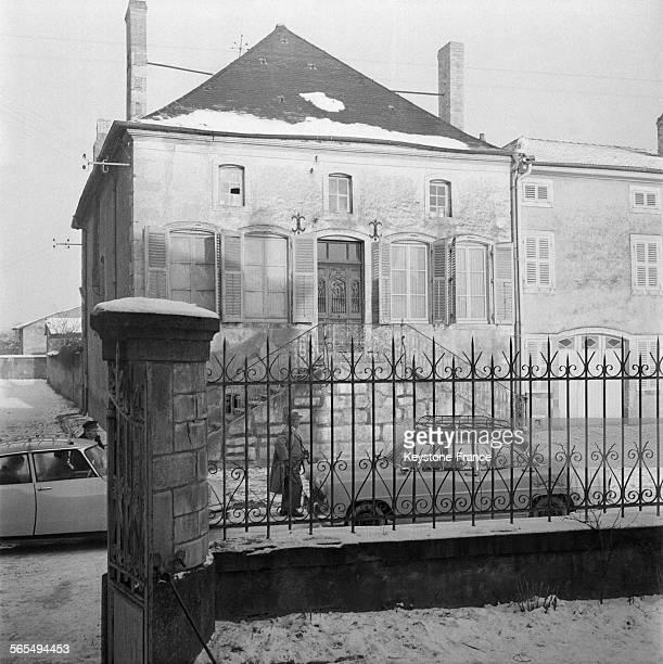 Voici le presbytère où Guy Desnoyers curé d'Uruffe et accusé d'avoir assassiné la jeune Régine Fays a habité pendant des années à Uruffe France le 25...
