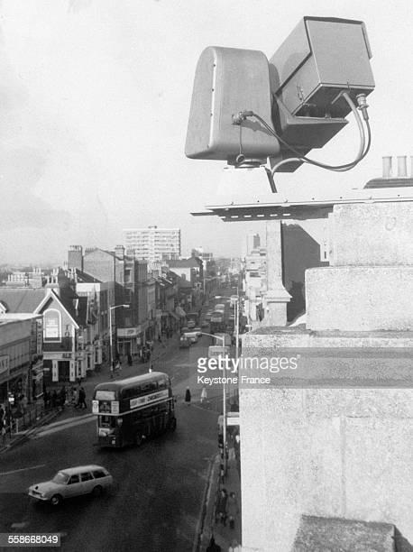 Voici une caméra de télévision fixée sur un toit de Croydon Angleterre RoyaumeUni le 3 janvier 1968