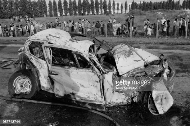 Voiture calcinée suite à un accident causé par un semiremorque sur l'autoroute de nord à la hauteur de Garonor entrainant la mort de 2 personnes le...